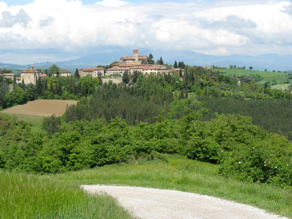 View of Lippiano from Casa Tersalle driveway