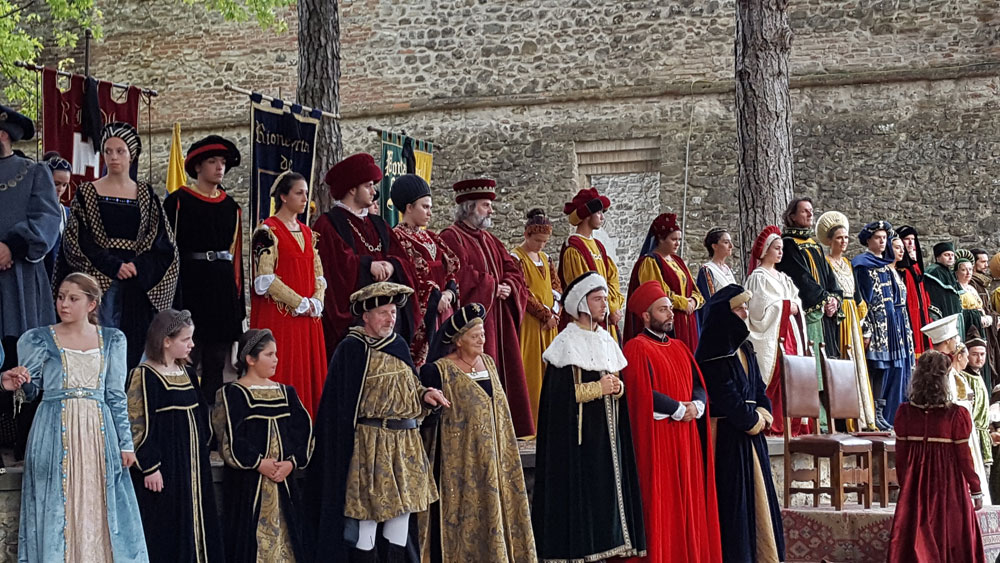 Montone Festival of the Santa Spina